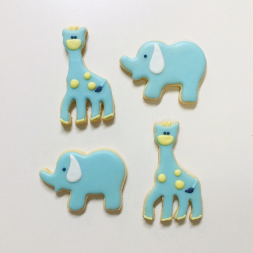 Baby Shower Giraffe and Elephant Cookies / © Dallas Bakes! 2014