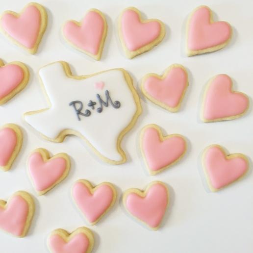 Texas Heart Wedding Cookies / © Dallas Bakes! 2015