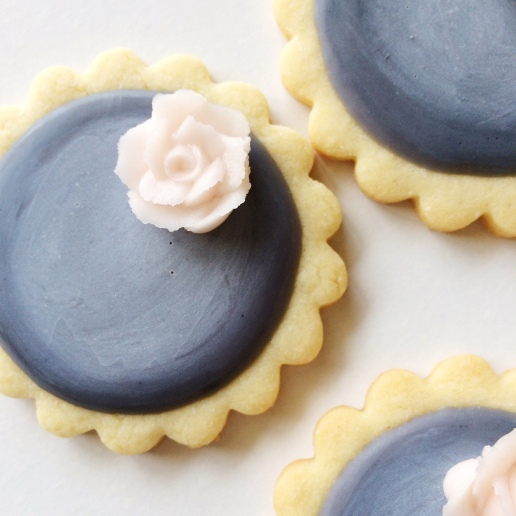 Chalkboard Cookies with Buttercream Roses / © Dallas Bakes! 2015
