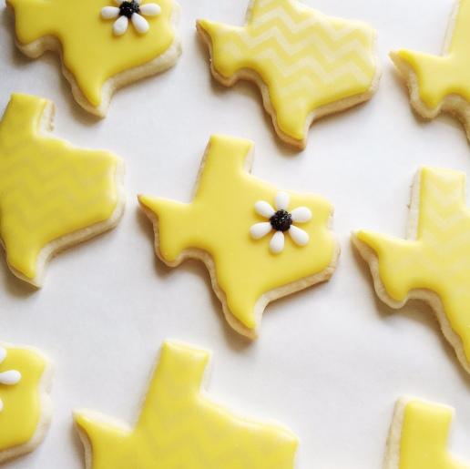 Gluten-Free Texas Wedding Cookies / © Dallas Bakes! 2015