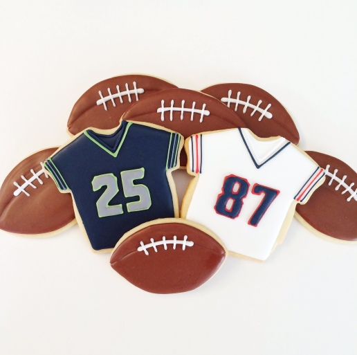 Football and Jersey Cookies / © Dallas Bakes! 2015